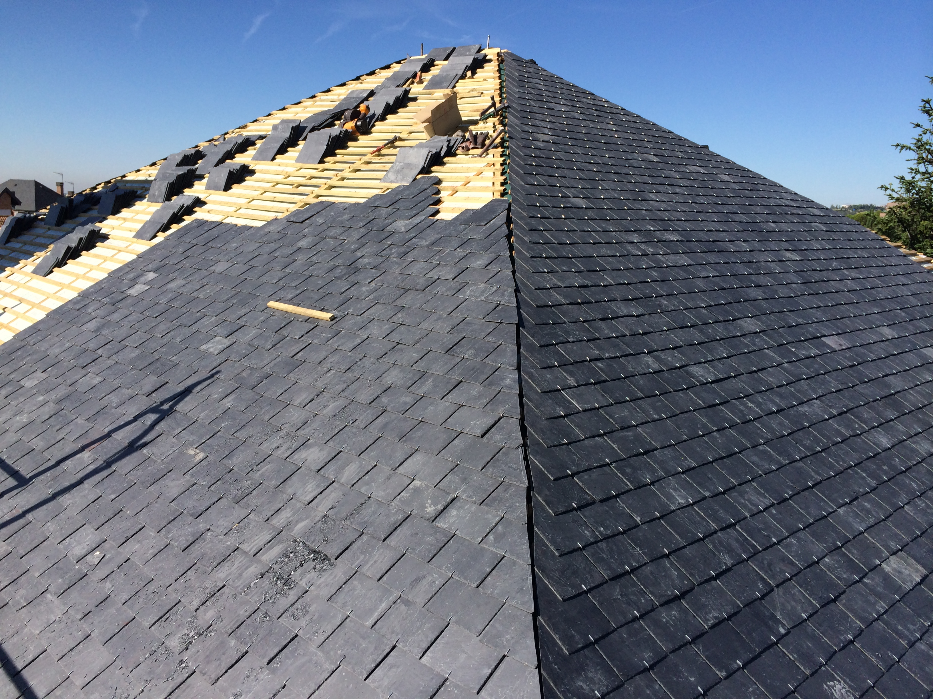 Tejados de pizarra madrid reparacion de tejados de pizarra - Tejado de pizarra ...